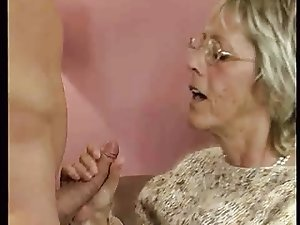 Granny slut loves to suck young cocks