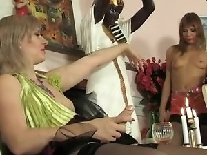 RUSSIAN MATURE SILVIA & ALICE 01