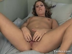 Kinky Annika Toying Her Quim